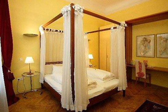 Hotel Zum Dom : Guest Room