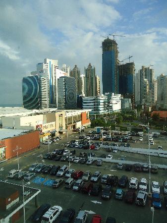 Courtyard Panama at Multiplaza Mall: El mejor para la mujer de negocios