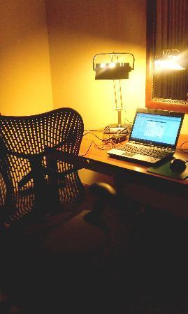 Hilton Garden Inn Columbia: Desk area is nice with adjustable ergonomic chair