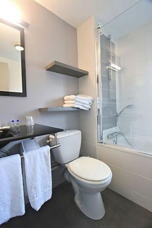 Kerotel: Bathroom