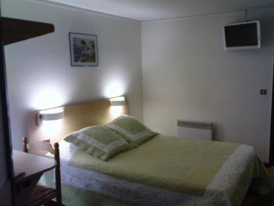 Brit Hotel Poitiers Beaulieu : Guest Room