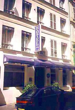Plug-Inn Hostel: The Hotel