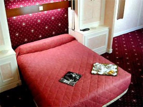 Hotel Lutece : The Hotel