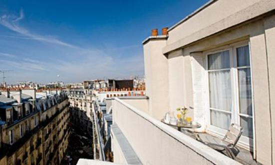 Hotel Lutece : Room with private balcony