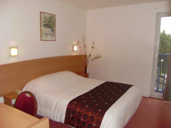 Comfort Hotel Lagny-sur-Marne : Guest room