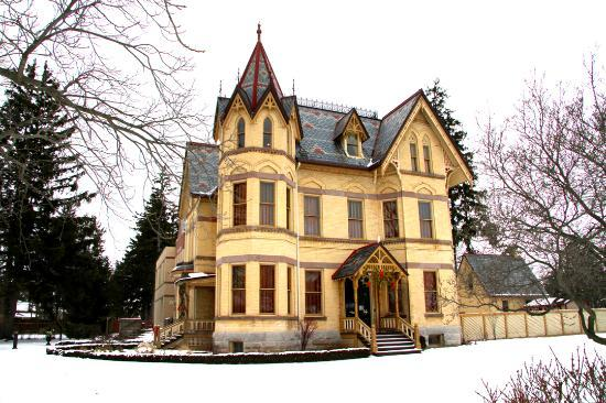 Annandale National Historic Site: Annandale House Winter