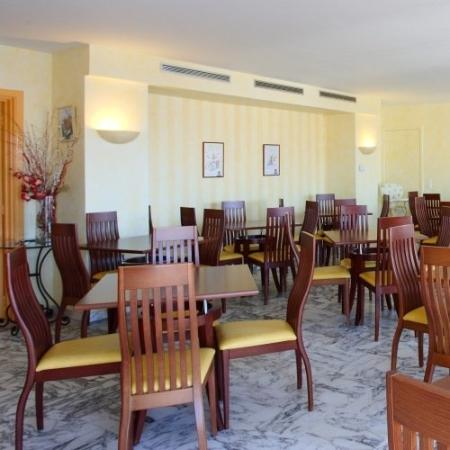Hotel Abrial Cannes Centre: Breakfast room