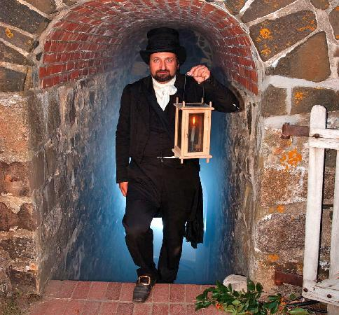 Annapolis Royal Candlelight Graveyard Tour: Wear comfortable walking shoes, and don't forget to bring your sense of adventure!