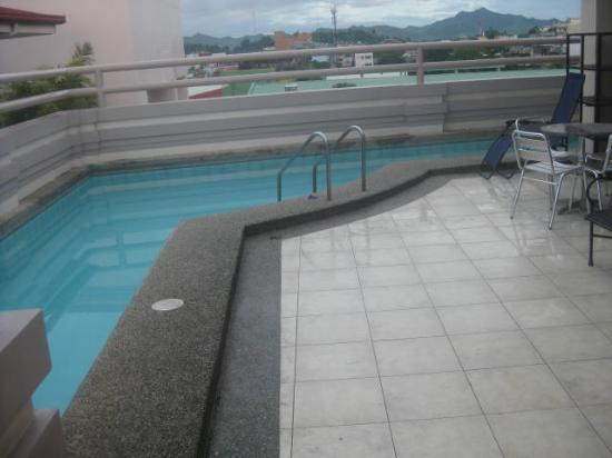 Hotel Alejandro: The pool on the roof
