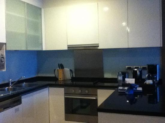 Sukhumvit Park, Bangkok - Marriott Executive Apartments: Kitchenette