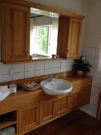 Esk Valley Lodge: Bathroom of the Riesling room