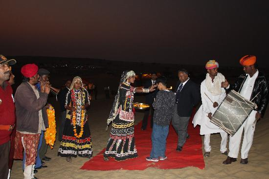 Gorbandh Palace: Welcome to the night in the desert