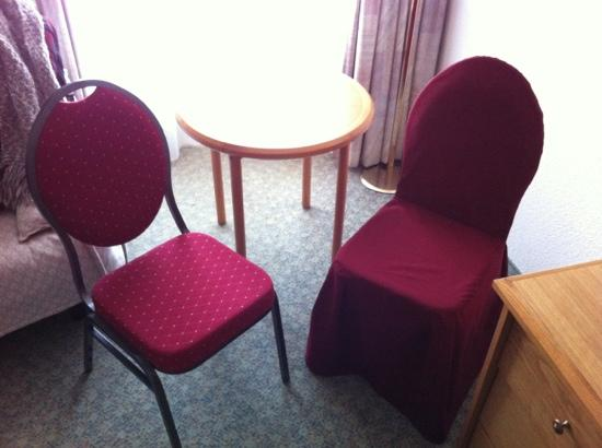 Alpine Classic Hotel Leysin: Why 2 different chairs ?