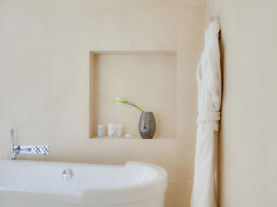 Maison Pic: Chambre Sdb Beignoire -