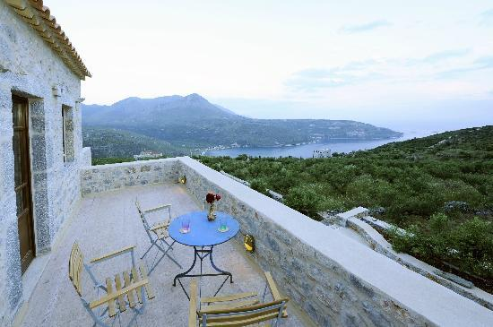 Xemoni Hotel & Spa: two-bedroom suite veranda overlooking the bay of Oitylo
