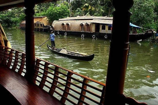 Eco Trails Kerala : Scene from Houseboat