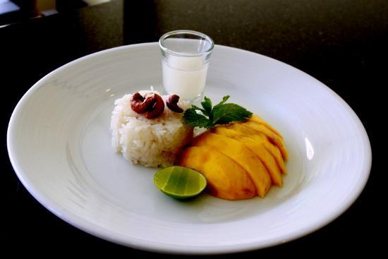 The Basil Restaurant, Karon Beach : mango sticky rice