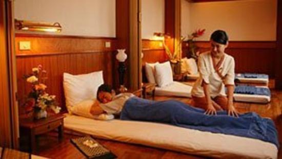 Metropole Hotel Phuket: Massage