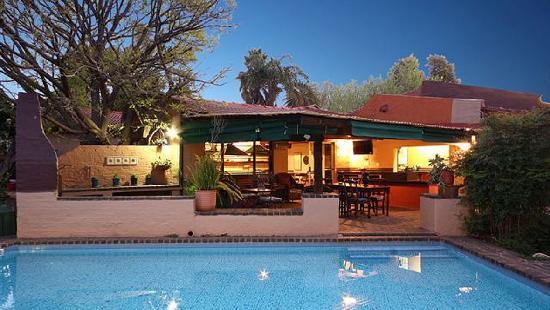 Uxolo Guesthouse Johannesburg: Breakfast terrace
