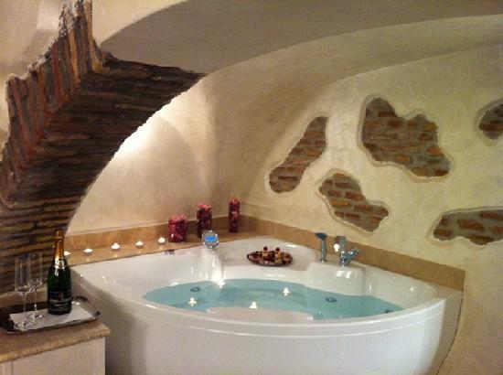 โรงแรมนาโวนา: junior suite