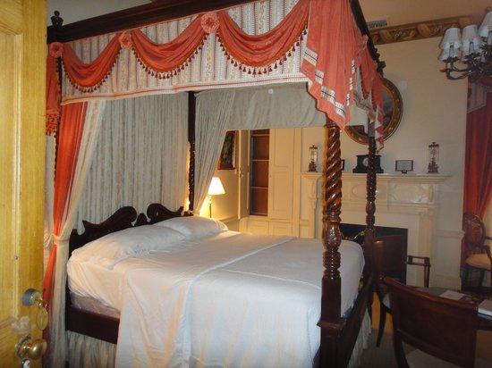 Monmouth Historic Inn Natchez : Bedroom 1