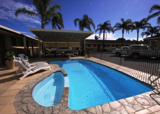 Comfort Inn Anzac Highway: NEWAnzac Poolside