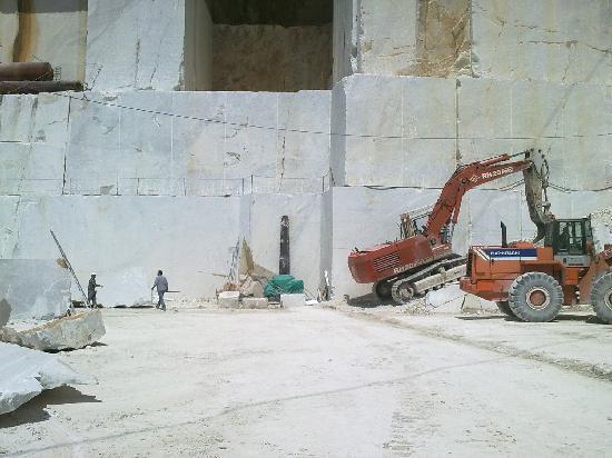 Carrara Lavoro In Cava Picture Of Carrara Marble