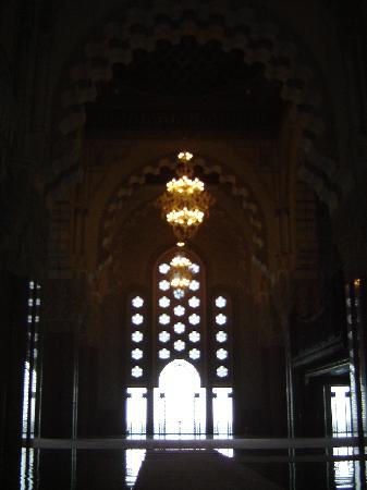 Mezquita de Hassan II: Windows inside