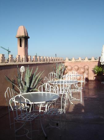 Zamzam Riad : On the roof