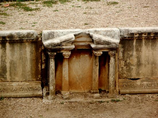 Château de Byblos : Roman Theatre