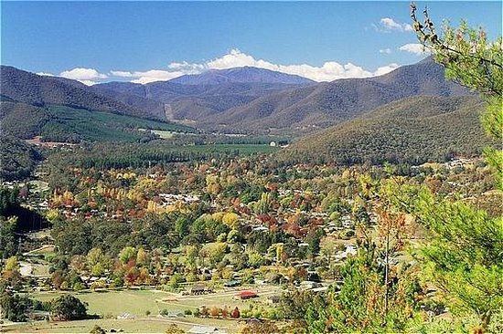 Bright, Australia: Situated in the beautiful Ovens Valley