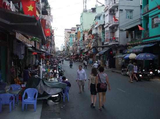 Beautiful Saigon Hotel 2: Main street