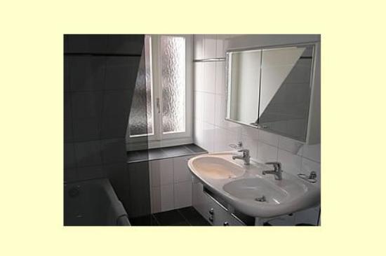 Regina: Guest Bathroom
