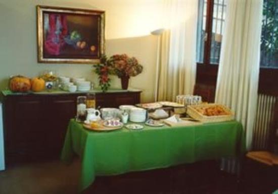 Hotel Domus: Breakfast
