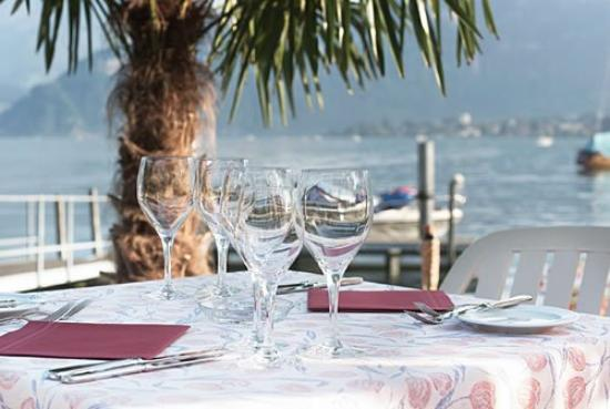 Seehotel Sternen Horw: Restaurant terrace