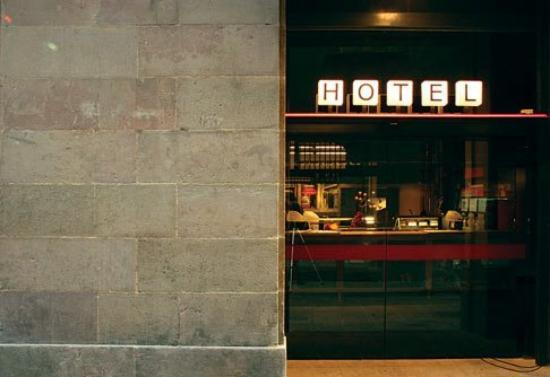 Casa Camper Hotel Barcelona: Exterior view
