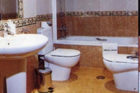 Hotel Fenix: Room