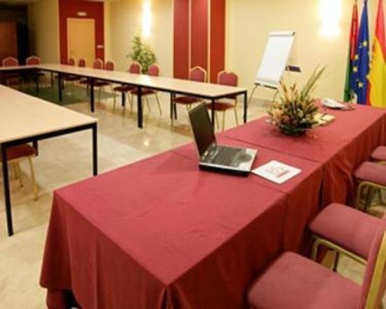 Hotel Capitulaciones: Meeting Room