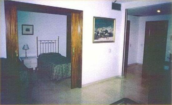 Olano Hotel: Guest Room