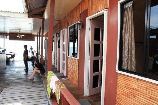 Seahorse Sipadan Scuba Lodge : Exterior