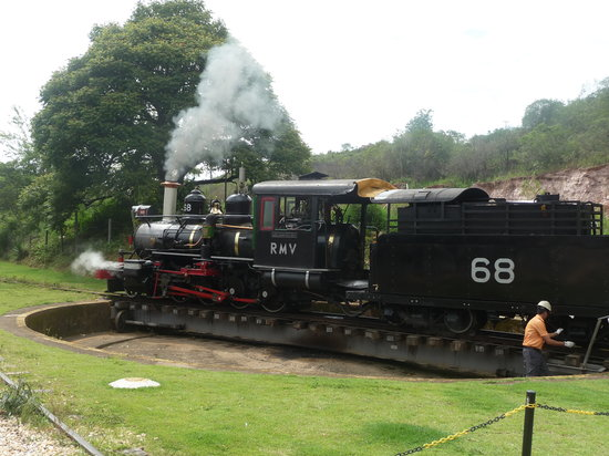 Steam train to Sao Joao del Rei : Maria Fumaca