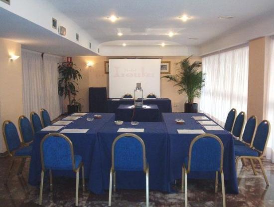 Leuka Hotel : Guest Room