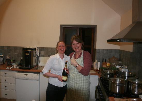 Higher Kingcombe Lodge: Hostess' Andrea and Jess
