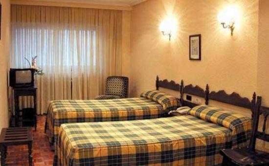 Castellano II Hotel: Guest Room