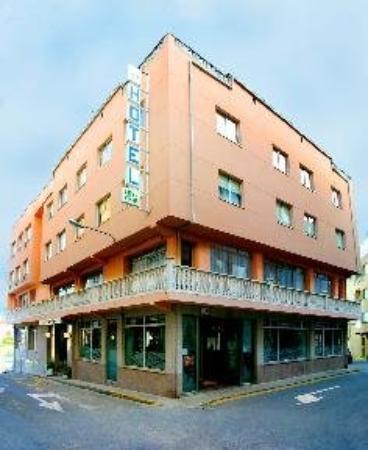 Las Vinas Hotel: Exterior View