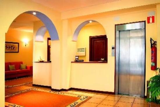 Las Vinas Hotel: Lobby view