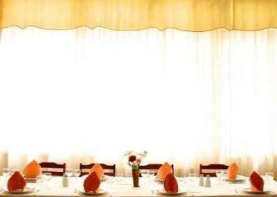 Las Vinas Hotel: Restaurant
