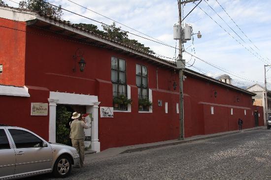 Hotel Las Farolas: la facade de l'hôtel