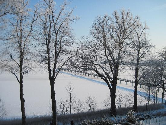 Hotel Seeblick Wendorf: Zugefrorene Ostsee
