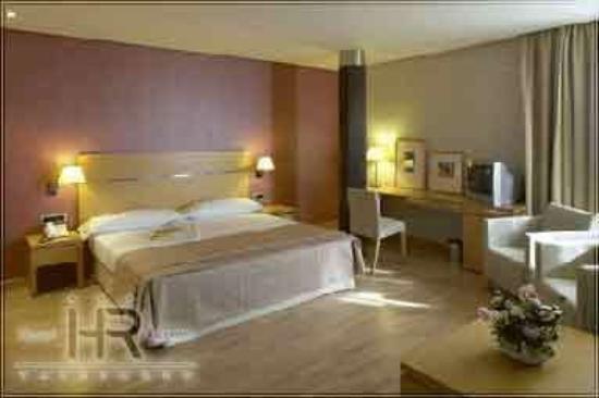 Reston Valdemoro: Superior Room